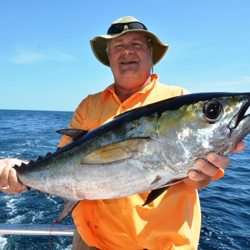 Yacht fishing riviera maya yachts riviera maya for Deep sea fishing riviera maya